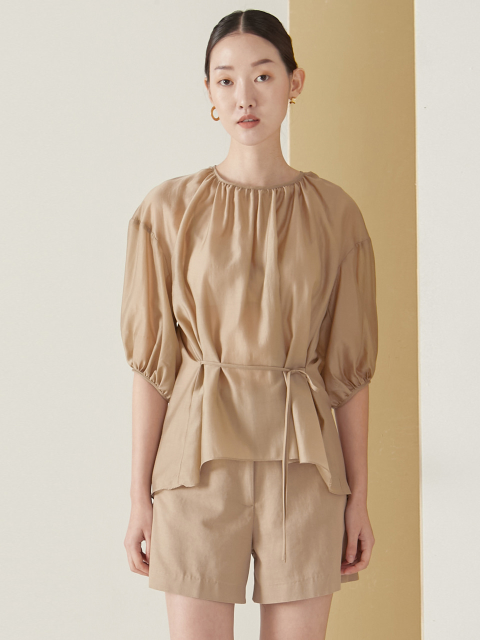Tencel back point blouse_beige