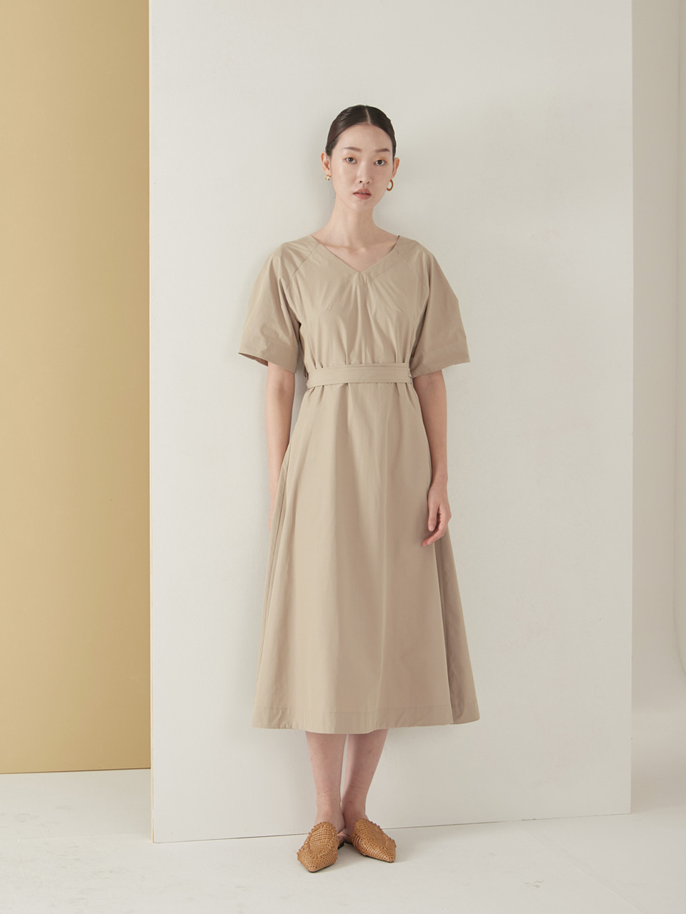 Bias cutting dress_beige