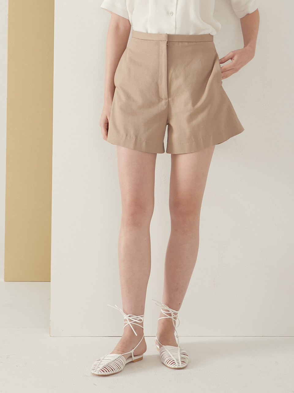 A line short pants_beige